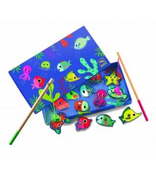 Joc de pescuit magnetic pesti colorati Djeco - Jucării de lemn si Montessori