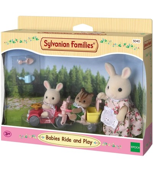 Sylvanian Families 5040 - Bebelusi la plimbare si joaca - Figurine