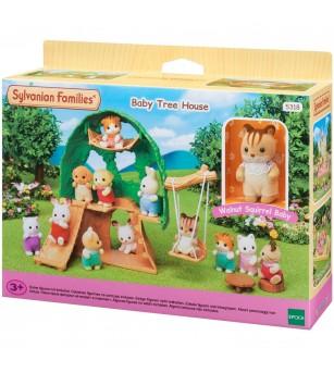 Sylvanian Families 5318 - Casuta din copac si figurina veverita - Figurine