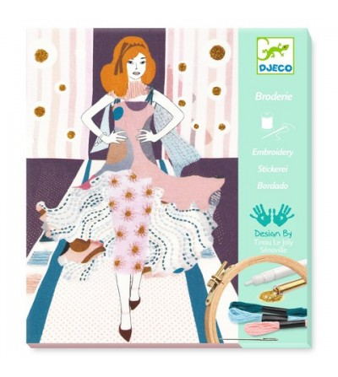 Atelier de brodat si cusut Djeco, Fashion week - Lucru manual