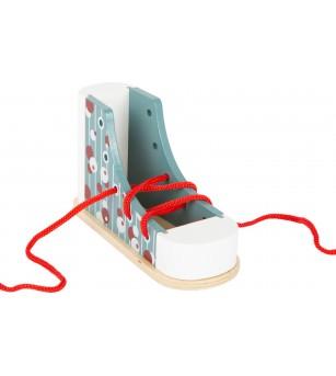 Pantof cu siret, Legler Small Foot - Jucării de lemn si Montessori